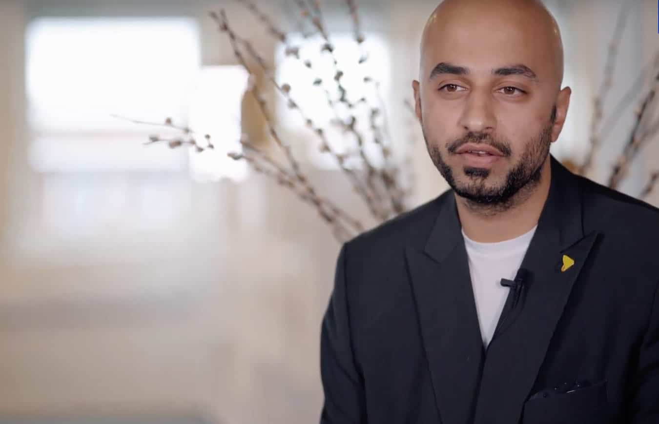 Amir - eloomi client being interviewed and talking about using eloomi platform